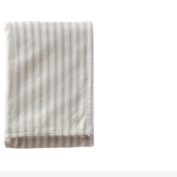 Pendleton Other - Pendleton ticking stripe blanket king size $199